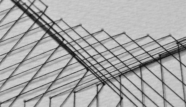 Вышивка на бумаге нитками